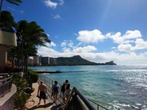 ハワイの空港の体温スクリーニング装置順調に稼働してます