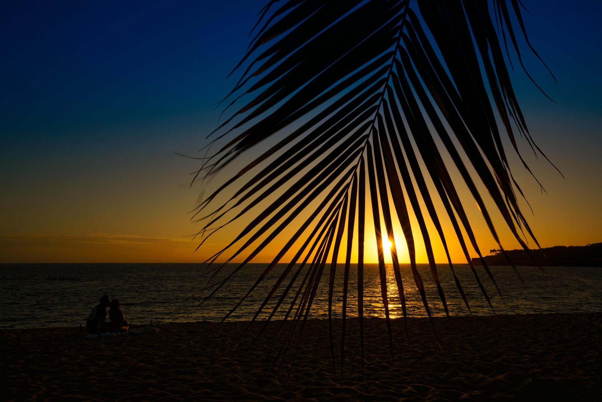 ハワイ ラナイ島外出禁止令承認に