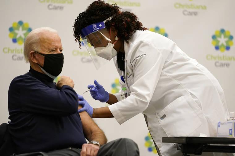 バイデン次期大統領がCOVID-19ワクチンを接種