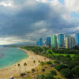 ハワイ 夏までにワクチン接種者の旅行制限緩和の現実味