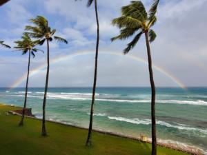 一部のハワイ旅行者は5月1日からワクチン接種の免除が開始される可能性があります