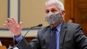 フェイスマスクのコロナウイルスポリシーが変更される可能性があります