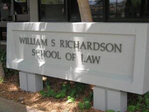 ハワイ大学のロースクールが、アジアの学生にとって全米1位に