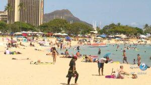 休日の週末に138,000人以上がハワイに到着しました